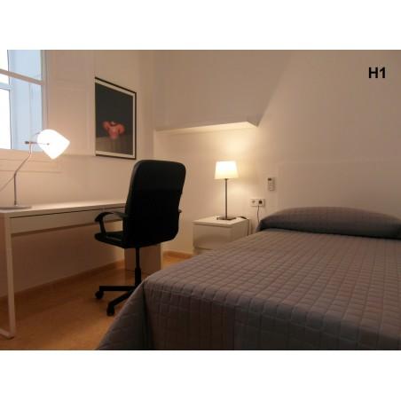 Habitación con baño compartido CAST6-H1