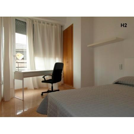 Habitación con baño compartido CAST6-H2