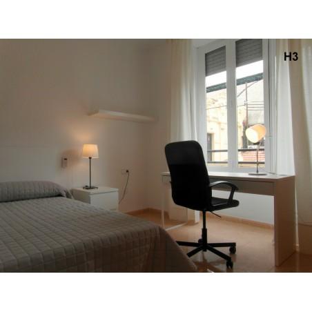 Habitación con baño compartido CAST6-H3
