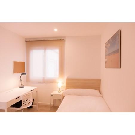 Habitación con baño compartido AG34-1-H2