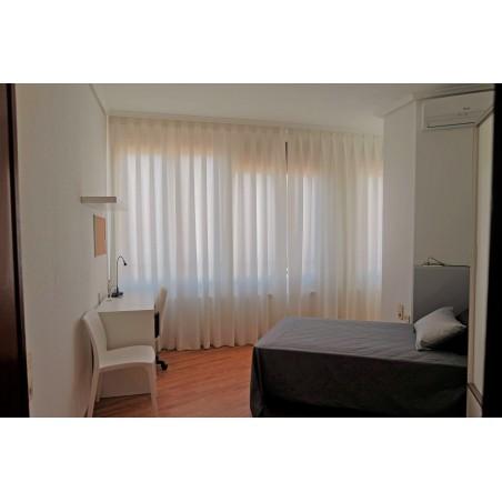 Habitación con baño compartido CAST20-H4