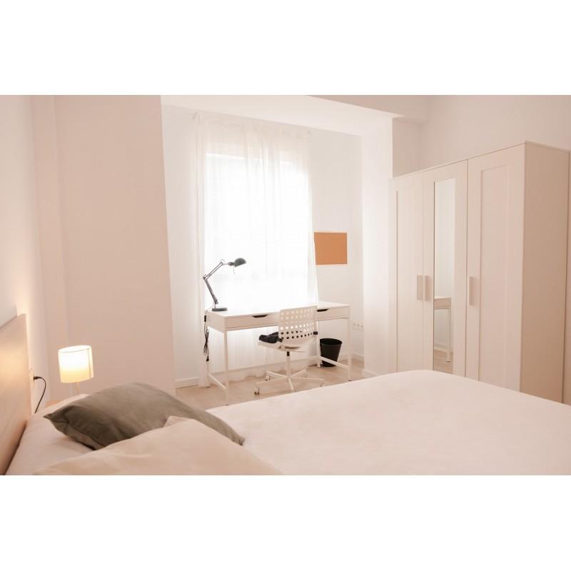 Habitación con baño privado AG32-3-H7